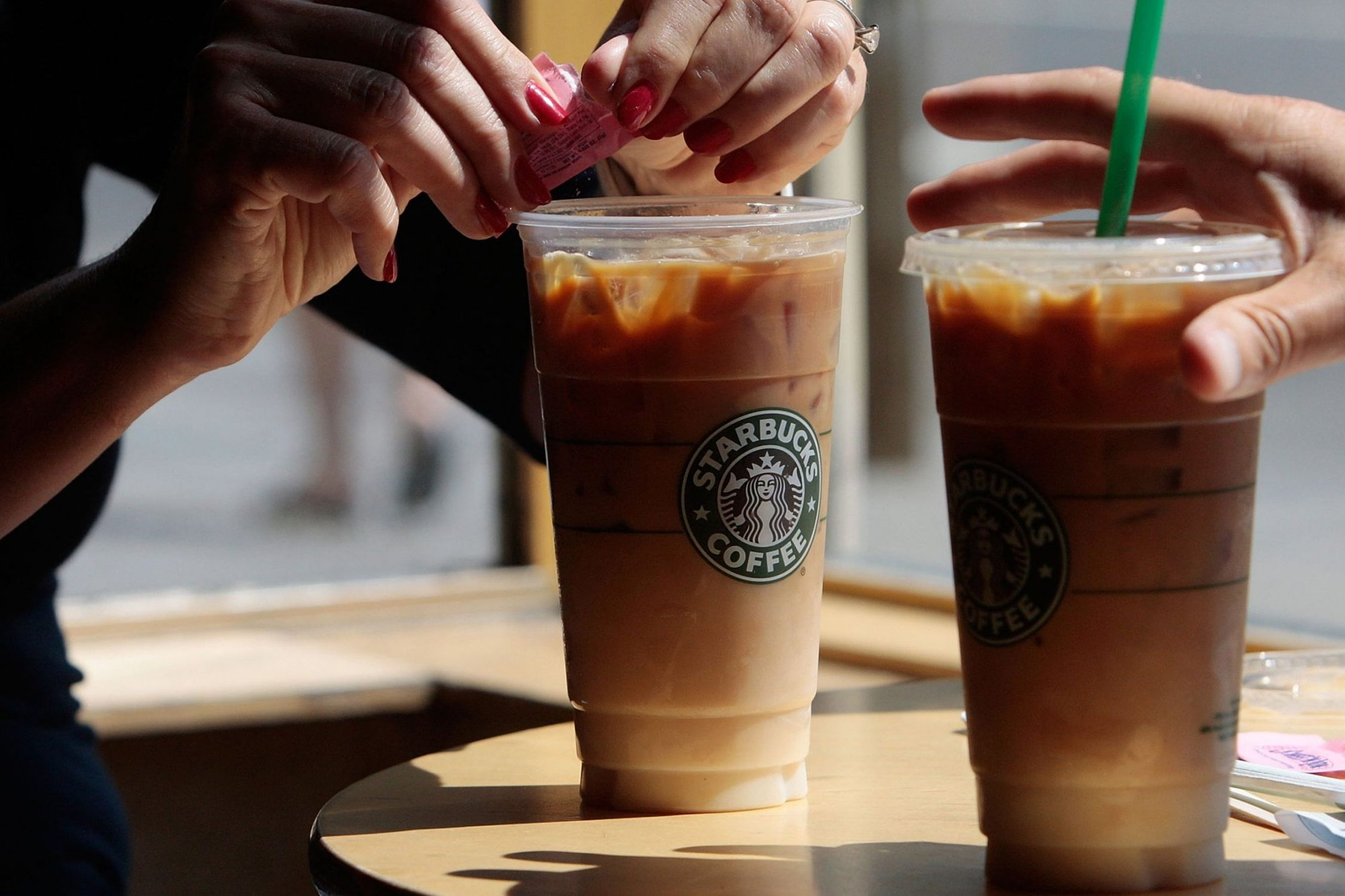 EC: Starbucks' Coffee Ice Cubes Will Prevent Drinks from Becoming Watery