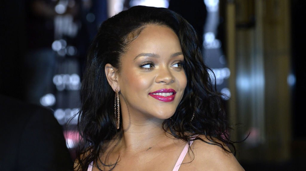 EC: Rihanna Might Be Getting Into the Wine Business