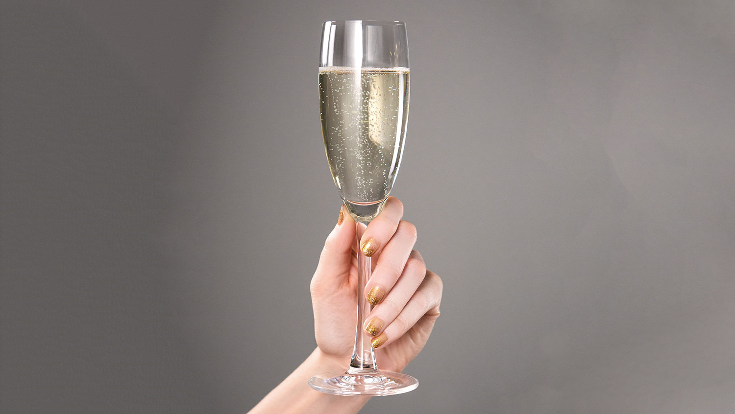 EC: How to Properly Pour Prosecco So the Bottle Doesn't Go to Waste