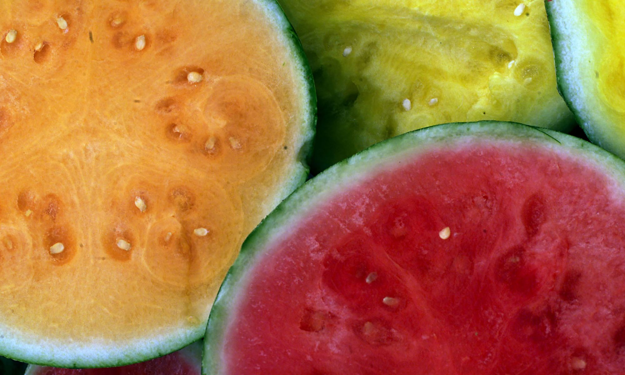 EC: Here's the Difference Between Pink, Orange, and Yellow Watermelon