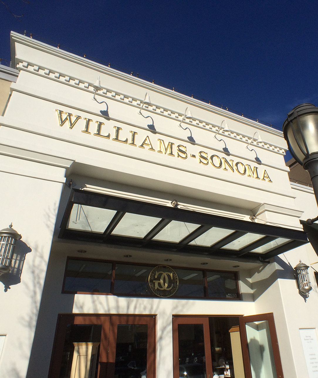 Williams Sonoma Is Hiring Thousands of Work-From-Home Employees This Fall