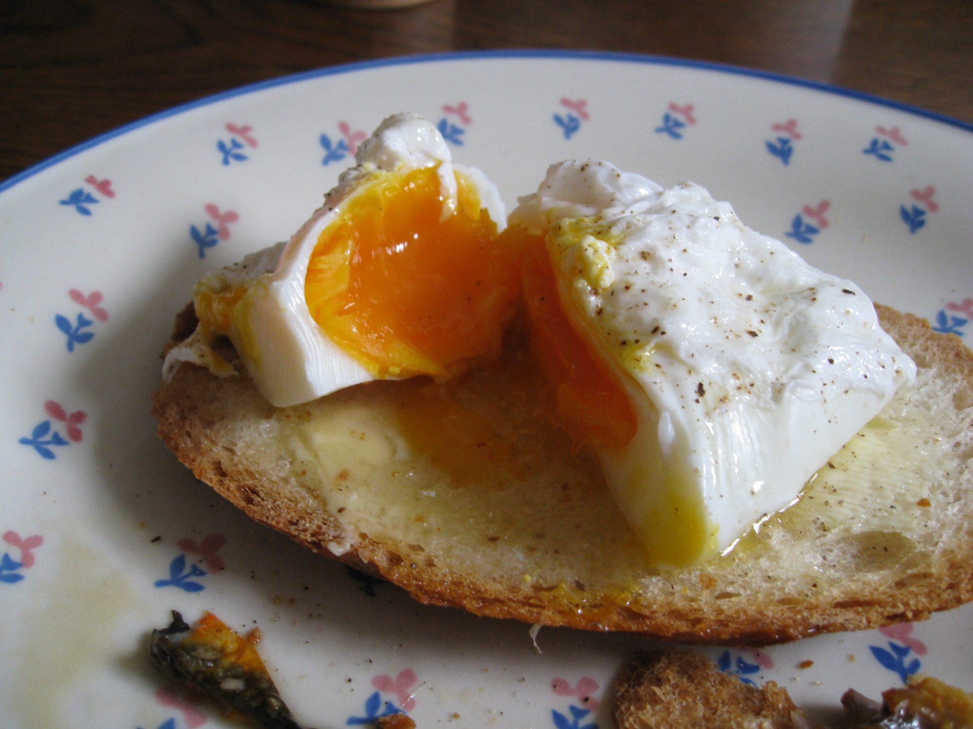 The Easiest Way to Poach Eggs Is in the Microwave