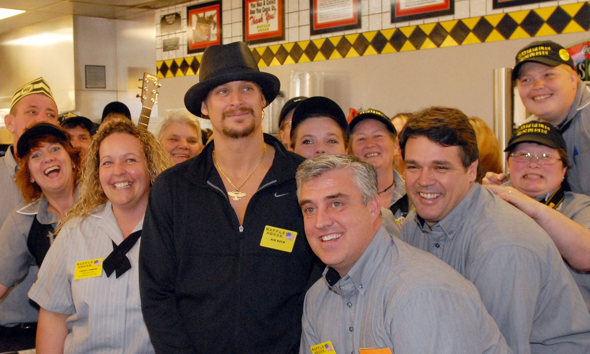 EC: 22 Celebrities Who Have Been Spotted at Waffle House