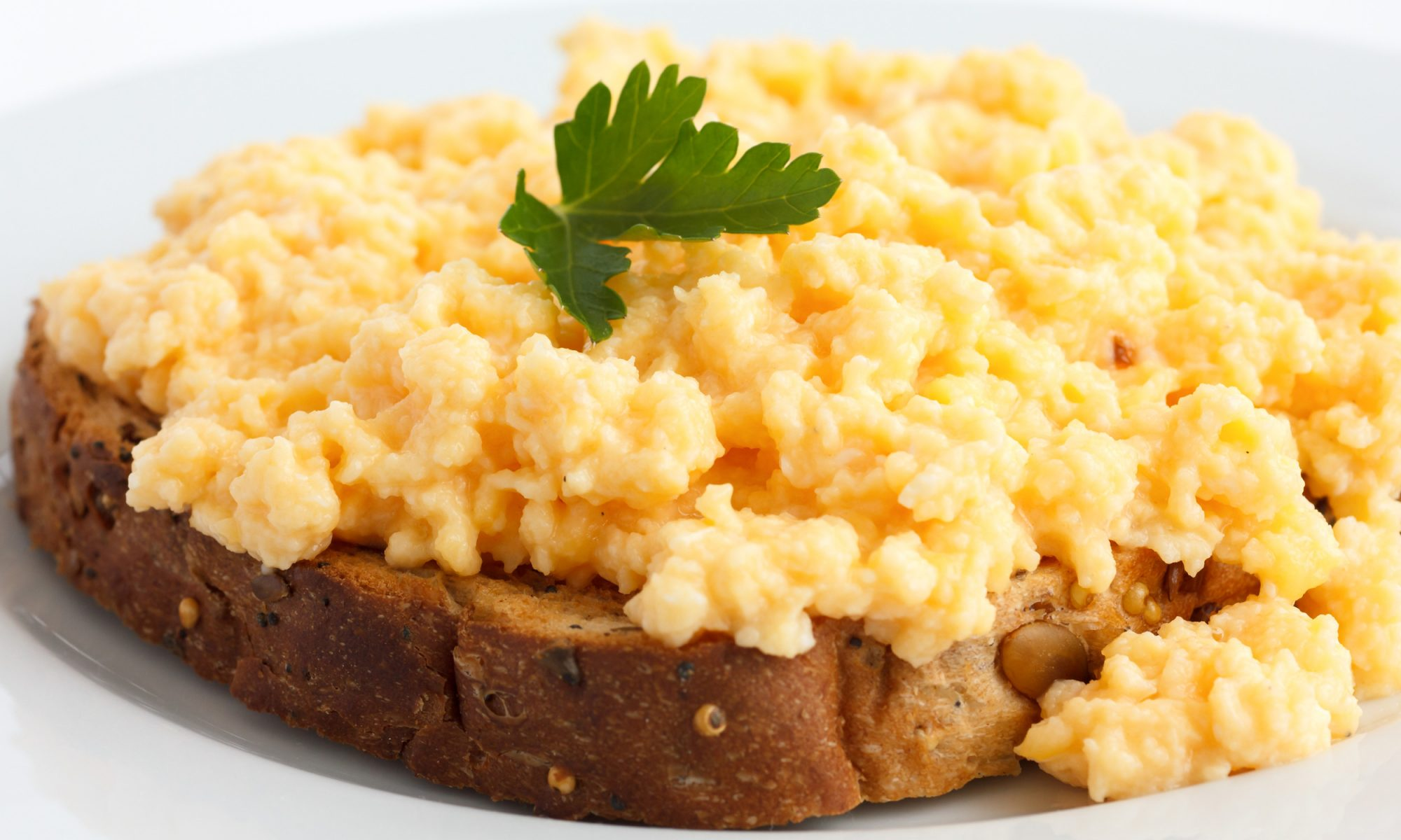 EC: How to Make Scrambled Eggs from Super-Fancy to Crazy-Quick