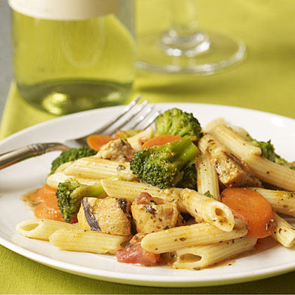 Lean Cuisine Grilled Chicken and Penne Pasta with 2009 Villa Antinori Bianco.