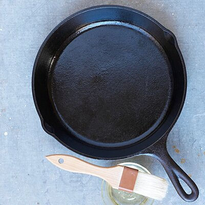 8 Reasons You Need a Cast-Iron Skillet in Your Kitchen ...