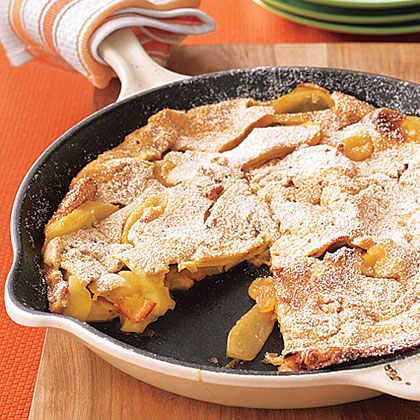 ay-Dutch Baby Apple Pancake