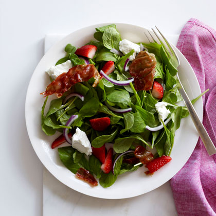 Strawberry-and-Arugula Salad with Crispy Prosciutto