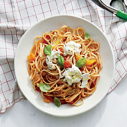 Linguine with Sweet Pepper Sauce