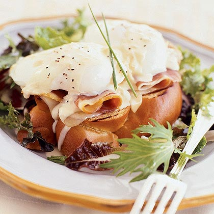 Prosciutto and Poached Egg Sandwiches with Mustard-Wine Sauce