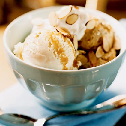 Coffee Ice Cream Sundaes