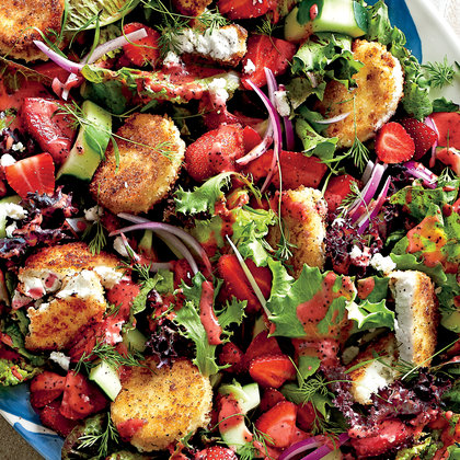 strawberry-salad-with-warm-goat-cheese-croutons-sl1.jpg