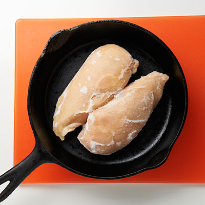 thawing-frozen-chicken-skillet-mr-x.jpg