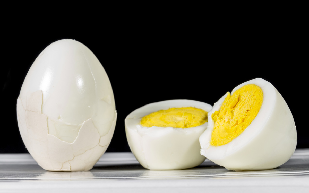 EC:  message-editor%2F1487043068808-hard-boiled-eggs-peeled-shell-inline