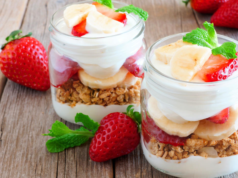 EC: How to Make Breakfast for Tomorrow While Making Dinner Tonight message-editor%2F1497374890074-parfait-inline