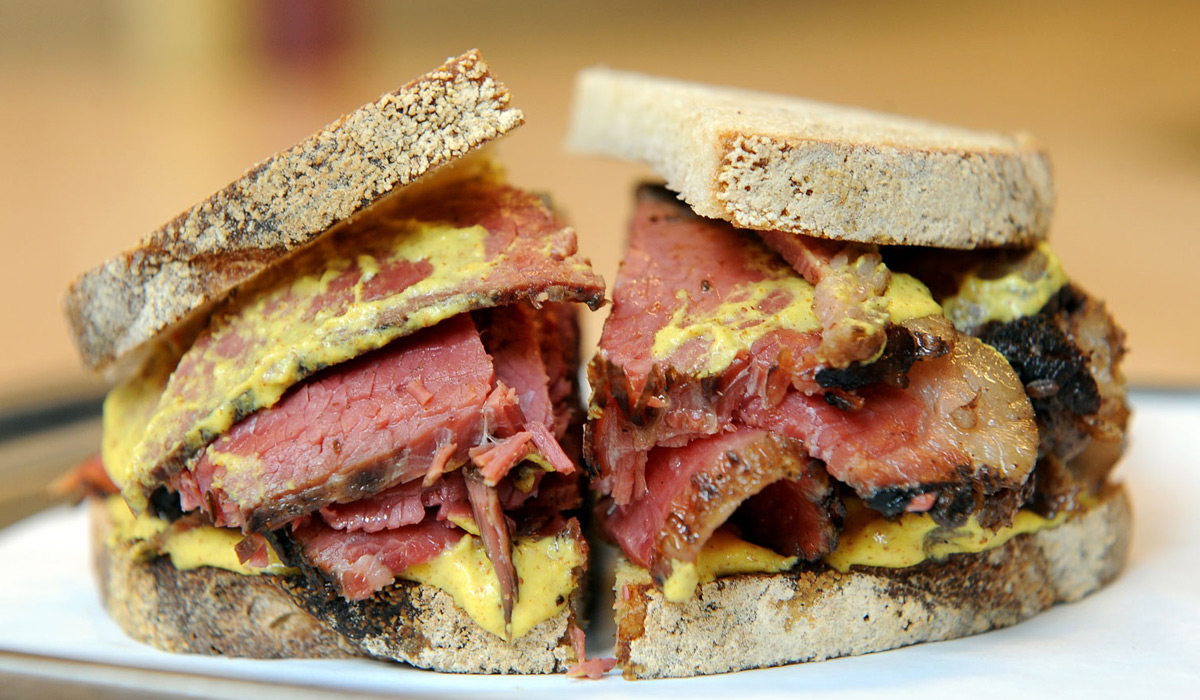 EC:  message-editor%2F1497558488497-montreal-smoked-meat-differences-deli-meats-ft-blog0617
