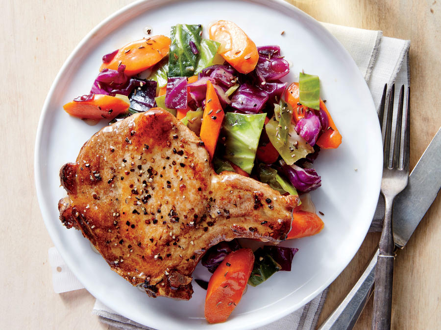 Pan-Roasted Pork Chops with Cabbage and Carrots