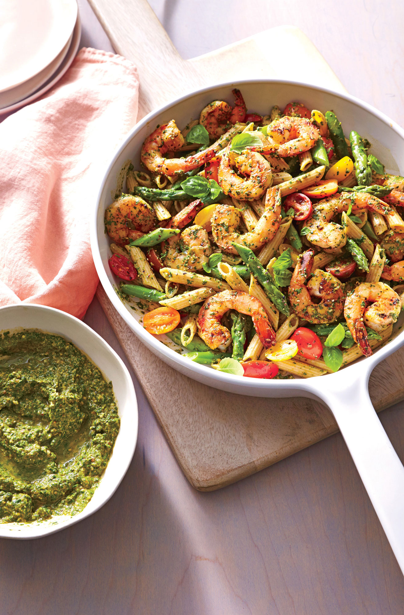 Spinach Pesto Pasta with Shrimp