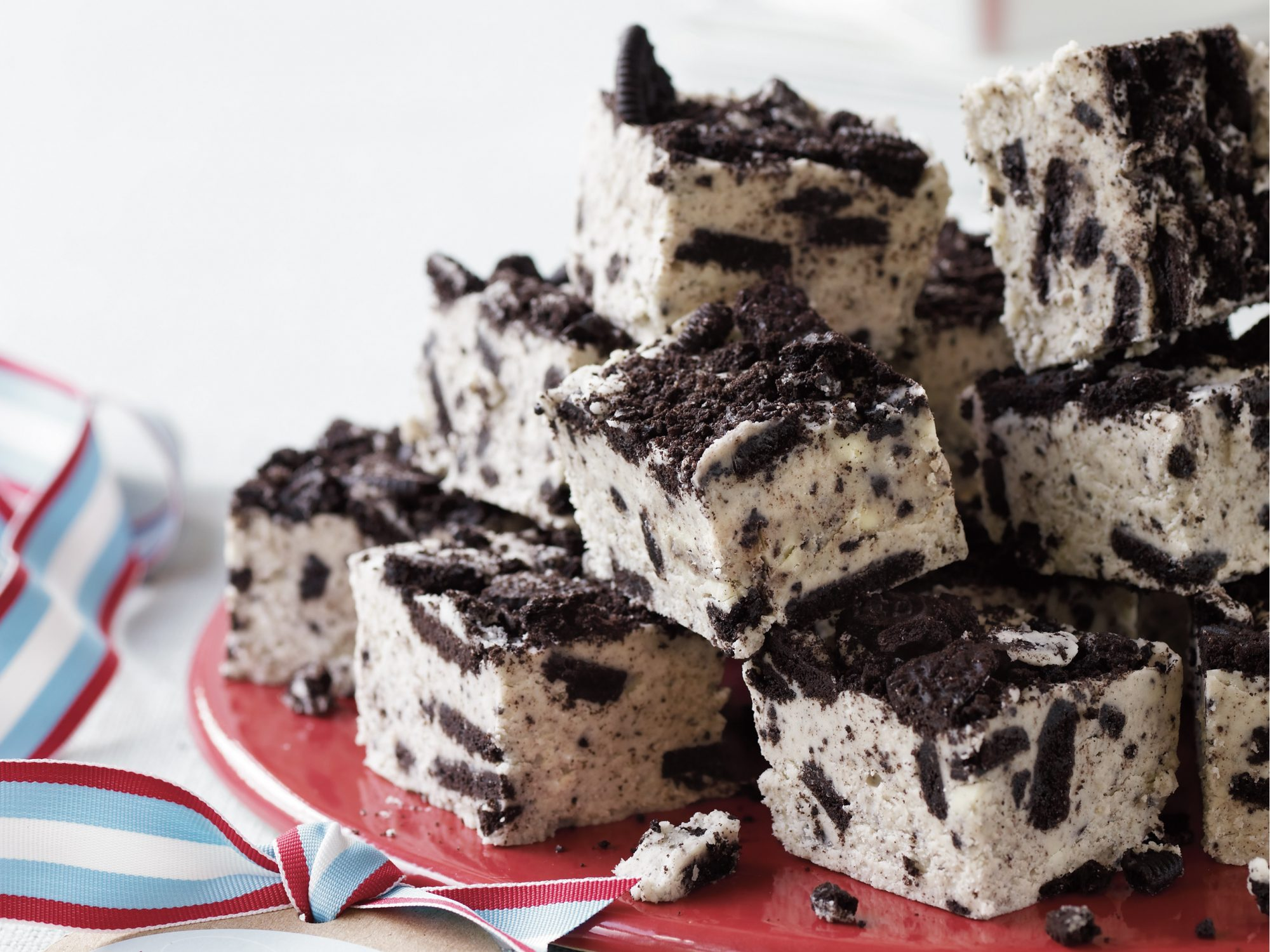 White Chocolate Cookies 'n' Cream Fudge