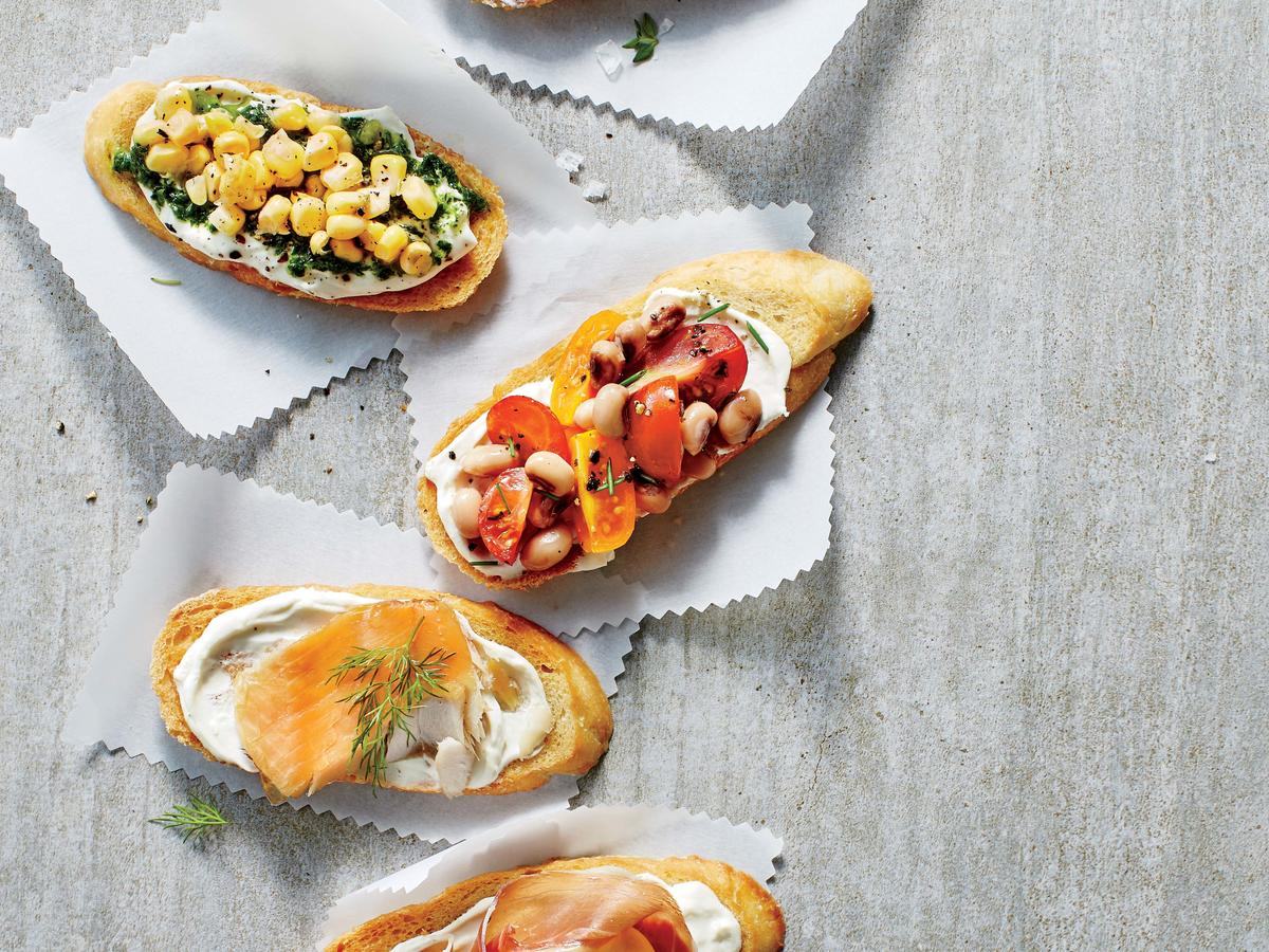 Tomato and Black-eyed Pea Relish Crostini image