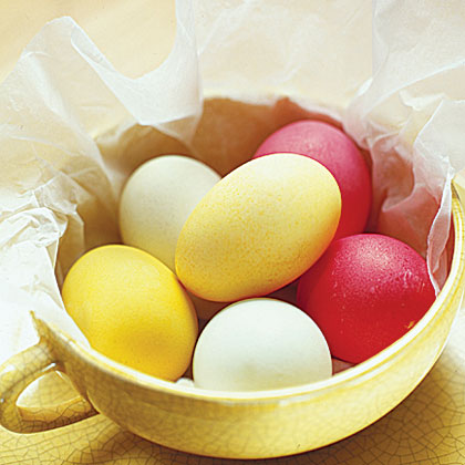 Dye Easter eggs the natural way