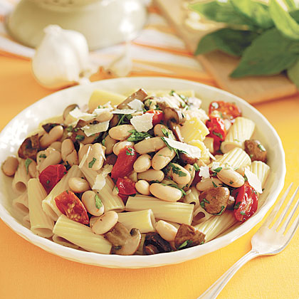 Rigatoni with Beans and Mushrooms