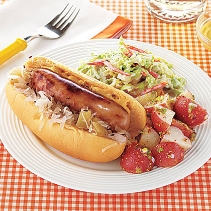 Slow-Cooker Bratwurst with Sauerkraut and Apples