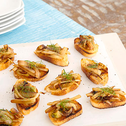 Caramelized Onion and Fennel Crostini