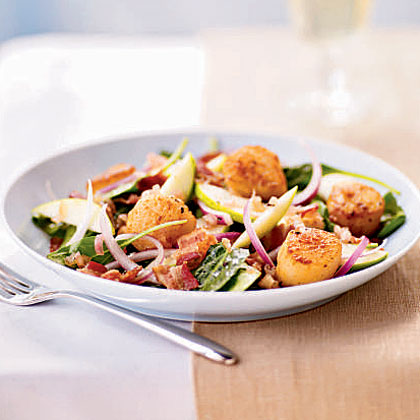 Seared Scallops over Bacon and Spinach Salad with Cider Vinaigrette