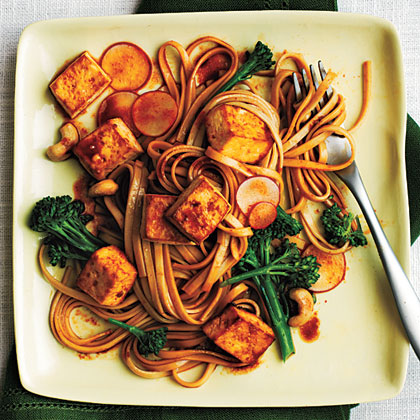 Udon Noodle Salad with Broccolini and Spicy Tofu