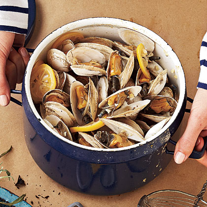 Beer-Steamed Soft-Shell Clams
