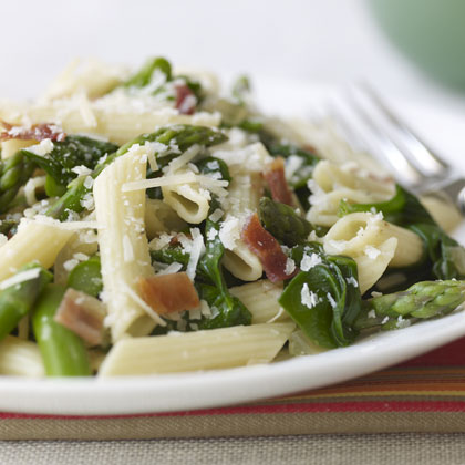 Penne with Asparagus, Spinach, and Bacon