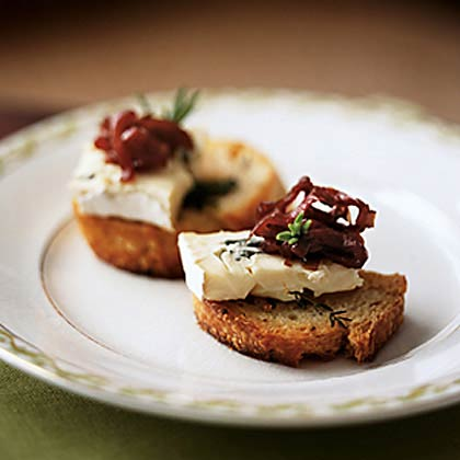 Herb Crostini with Blue Cheese Spread and Caramelized Onion Relish