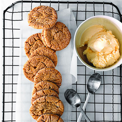 Gingersnaps with Crystallized Ginger