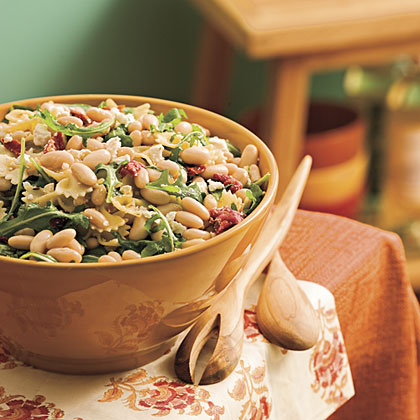 Pasta With White Beans and Arugula