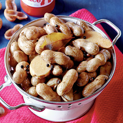 Hot Spiced Boiled Peanuts