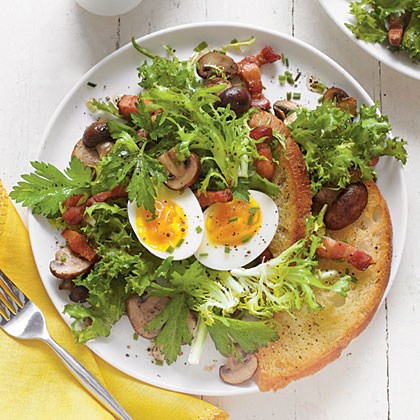 Bistro Salad with Bacon, Eggs, and Mushrooms