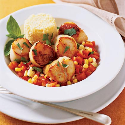 Quick Scallops with Peppers and Corn