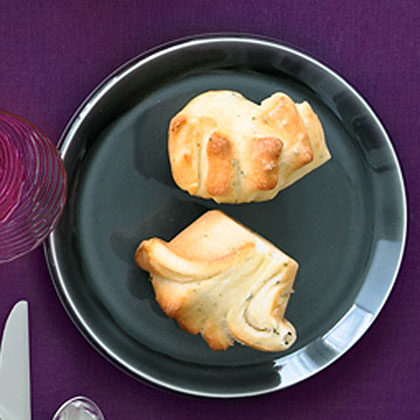 Chive and Thyme Pull-Apart Rolls