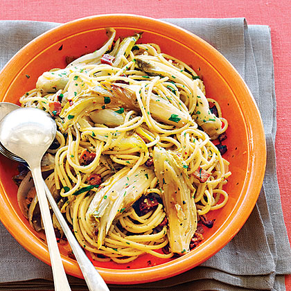 Spaghetti with Endive and Bacon