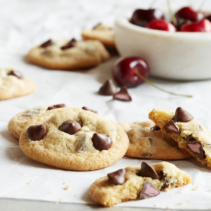 NESTLÉ® TOLL HOUSE® Cherry Flavored Filled DelightFulls Chocolate Chip Cookies