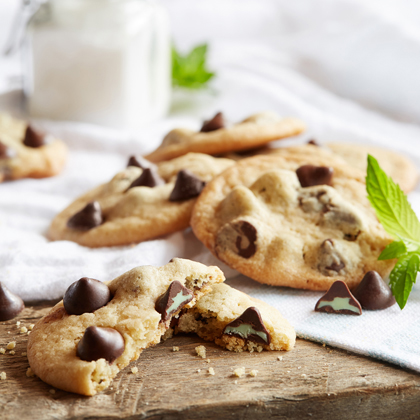 NESTLÉ® TOLL HOUSE® Mint Filled DelightFulls Chocolate Chip Cookies