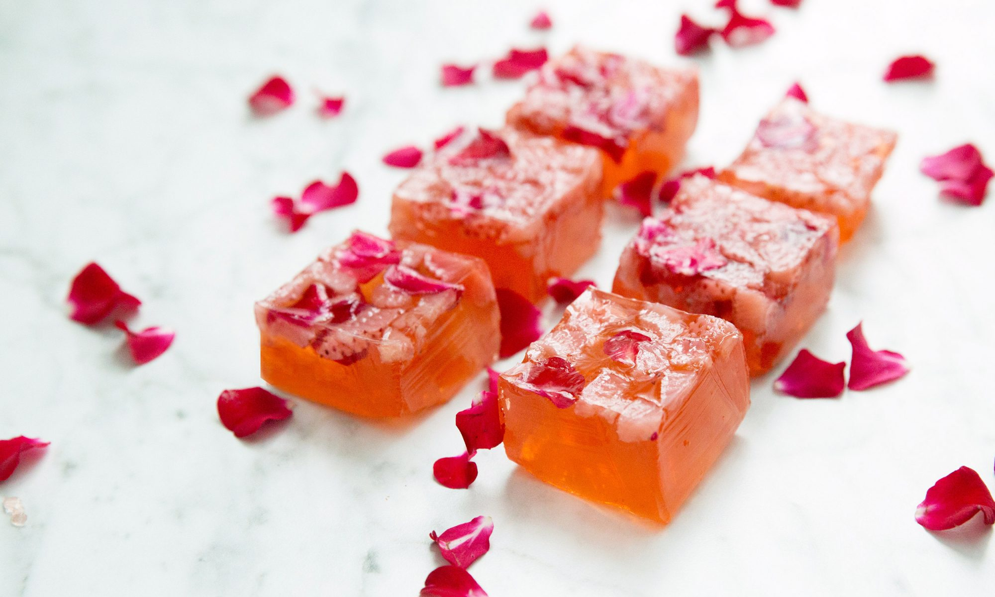 EC: Strawberry and Champagne Jello Shots Are More Dangerous Than They Look