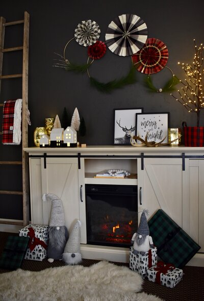 A Home For Christmas.How To Decorate Your Small Space So It S Homey For Christmas