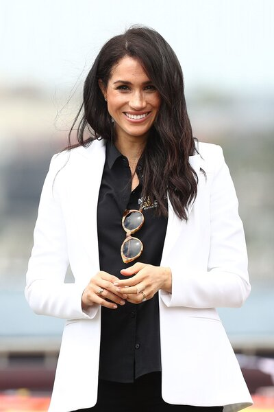 546b0522d0e5d Here s Exactly What Meghan Markle Does for Glowing Skin
