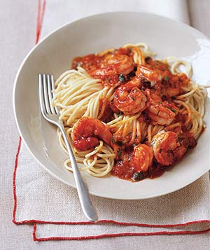 Pasta With Spicy Shrimp and Tomato Sauce