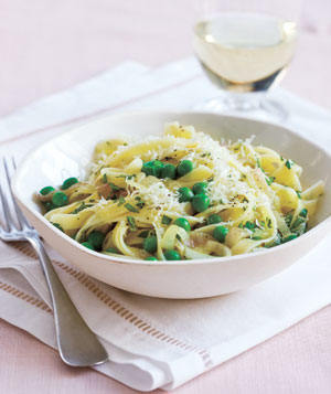 Fettuccine With Peas, Shallot, and Herbs