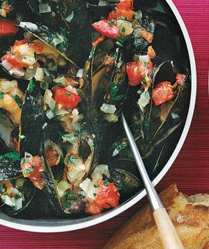Mussels With Tomatoes and Olives