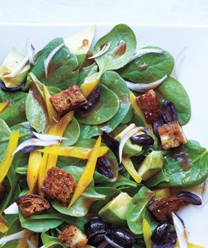 Spinach Salad With Avocado and Peppers