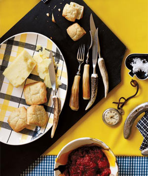 Biscuits With Tomato Jam and Cheddar